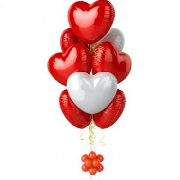 Фонтан из 8 фольгированных сердец
