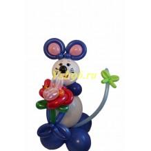 Мышка с цветком