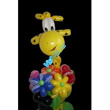 Жираф с букетом