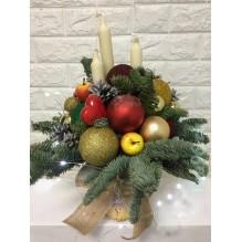 """Новогодняя композиция """"Три свечи, букет"""""""